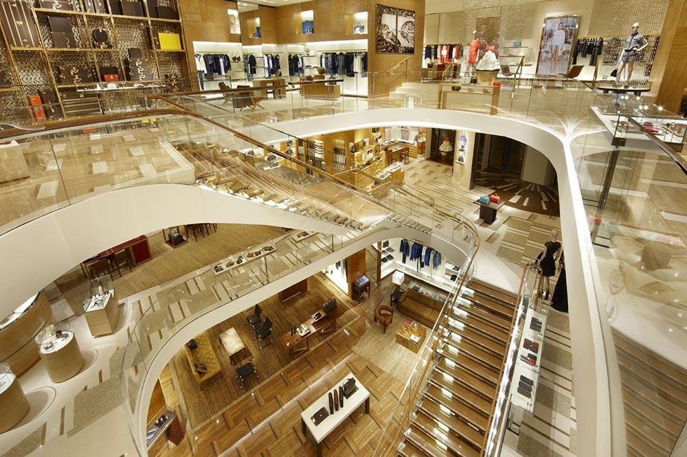 Lo shopping vicino TeichnerSuite: tre meravigliose Suites nel salotto di Roma: Piazza San Lorenzo in Lucina. Contact: Alessia Teichner +39 331 3239.427
